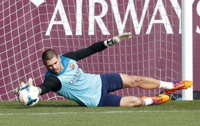 Officiel : Victor Valdés signe pour 18 mois au Manchester United