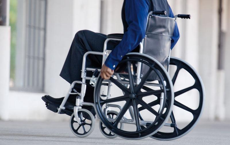 Un changement qui tarde à prendre forme: Les handicapés toujours à l'écart