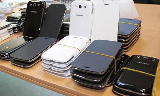 Port Tanger Med : Saisie de 945 Smartphones à l'état neuf