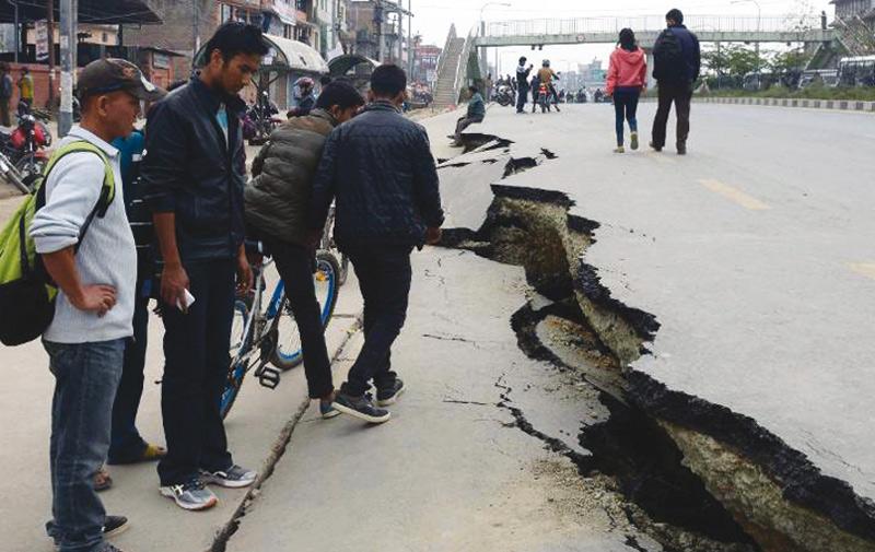 Google et Facebook  à la rescousse du Népal