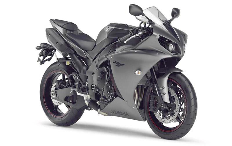 Yamaha R1: Attention, j'envoie du lourd!