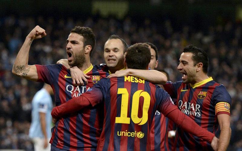 Le Barça freiné à Séville, le Real à cinq points