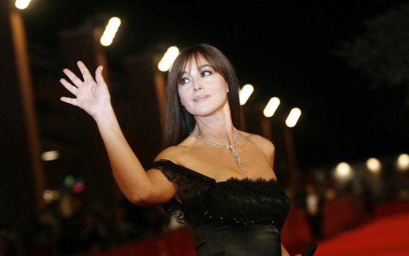 Monica Bellucci : Divine à Moscou dans  son rôle d'égérie beauté
