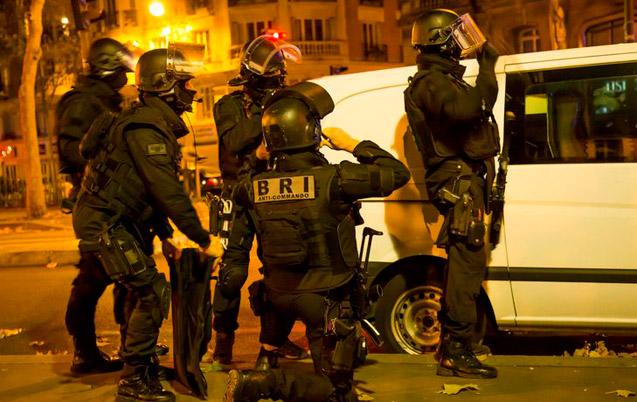 Attentats: opération antiterroriste au nord de Paris, deux kamikazes tués