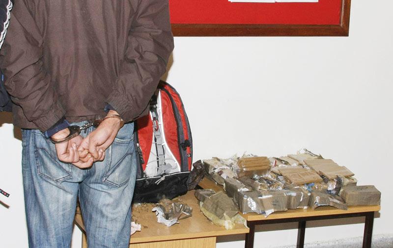 Casablanca: Un trafiquant de drogue  arrêté en possession de 4 kg de haschich