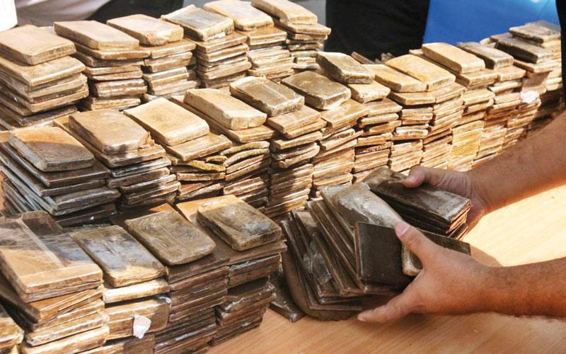 Saisie de deux tonnes de drogue dans un garage à Ksar El Kébir