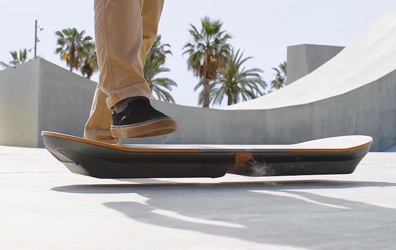 Skateboard volant : Lexus fait de la fiction une réalité