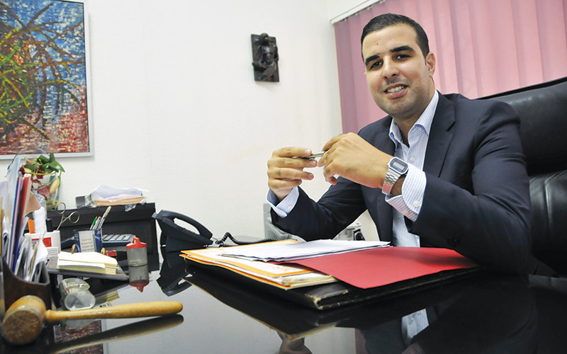 chirurgie mini-invasive : 3 questions au Dr Anis Achergui