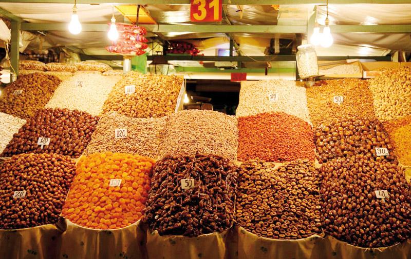 Tanger : Chasse aux contrebandiers  d'épices et de fruits secs