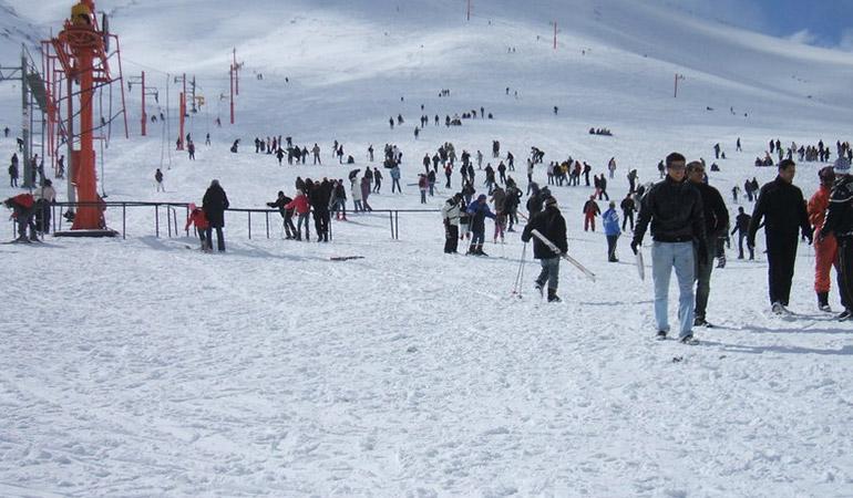 Oukaimeden : la station de ski reçoit quotidiennement 30 000 visiteurs en moyenne durant les jours fériés et les week-ends