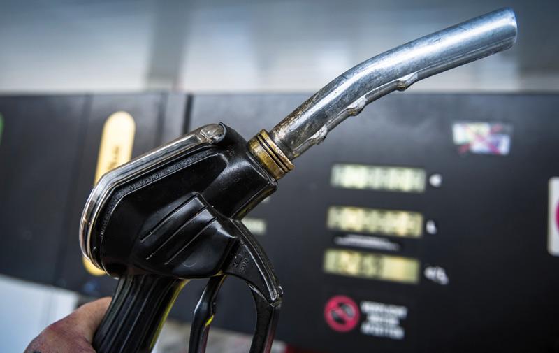 Les prix du gasoil et de l'essence super en baisse