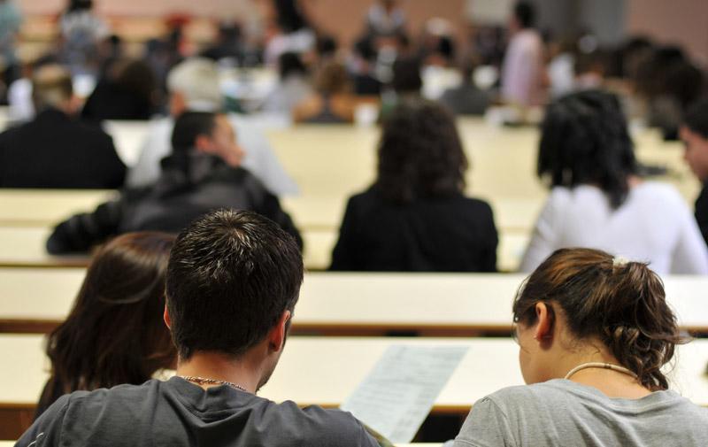 Le bon niveau d'un diplôme dépend-il vraiment, notamment, de l'effectif global d'un établissement d'enseignement supérieur ?
