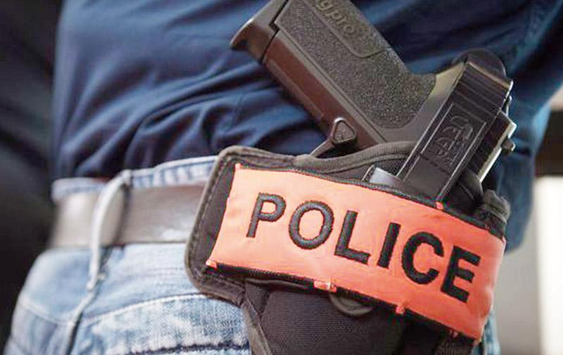Casablanca : Un policier  utilise son arme de service  pour arrêter des malfrats