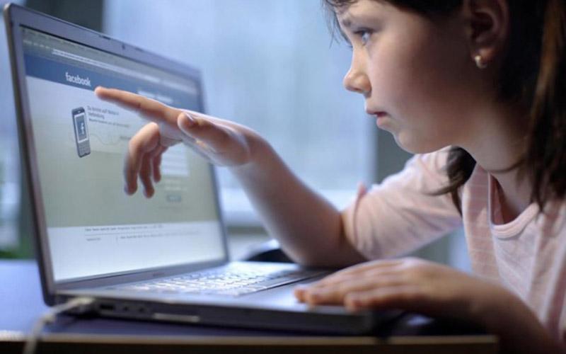 En France, la justice oblige une mère à fermer le compte Facebook de sa fille de 8 ans