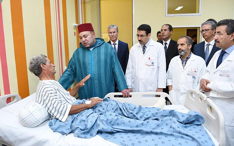 Effondrement à Casablanca : SM le Roi rend visite aux victimes