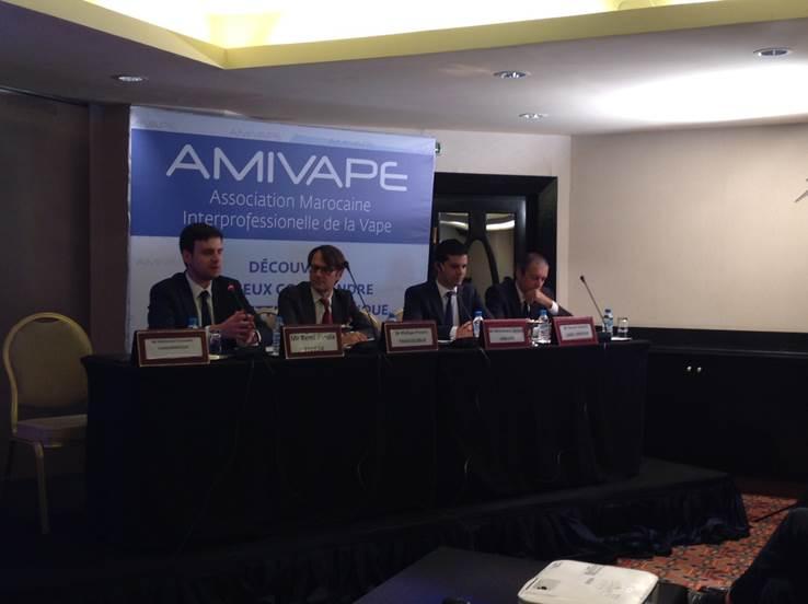 Le tabacologue Philippe Presles donne une conférence à Casablanca