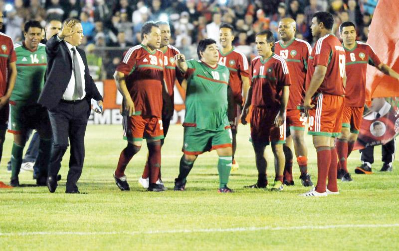 Match de gala ayant réuni plusieurs ex-stars de football à Laâyoune