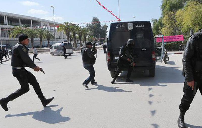 Attentats en Tunisie: le bilan s'alourdit