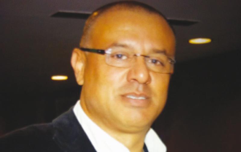 Youssef Boualam: « Face à une rage de dent, la population se sert du présent et du tout près»