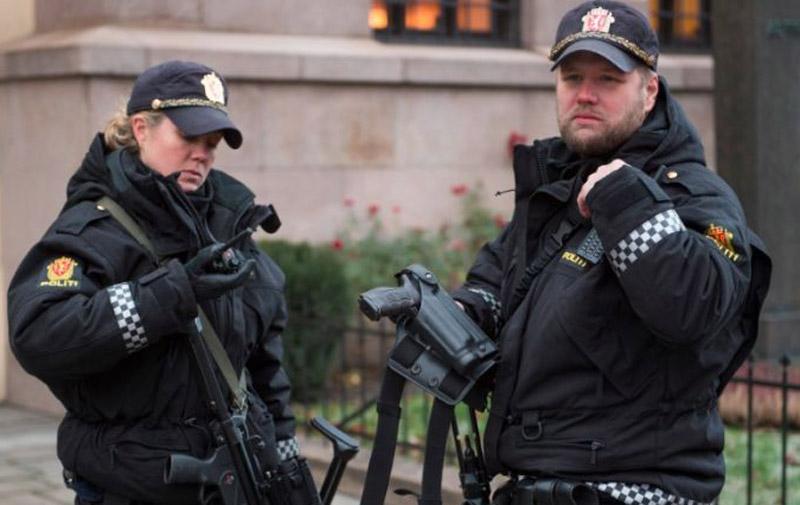 Attentats de Paris: La Norvège reporte le désarmement de ses policiers