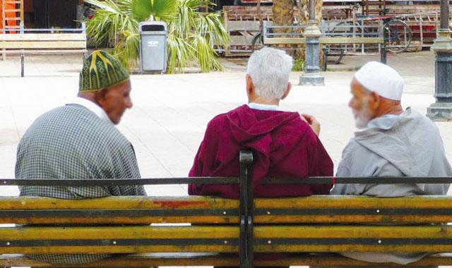Le CESE recommande le maintien des personnes âgées au sein de la famille