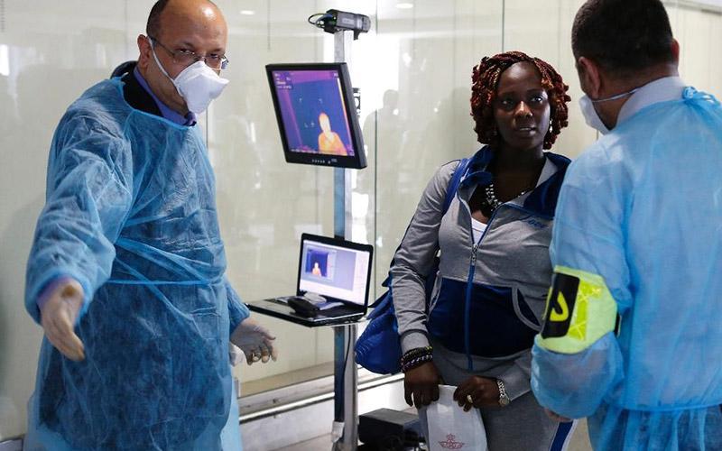 Ebola: Le Maroc reçoit chaque jour 310 voyageurs venus des pays touchés