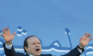 Le pouvoir algérien sombre dans le ridicule