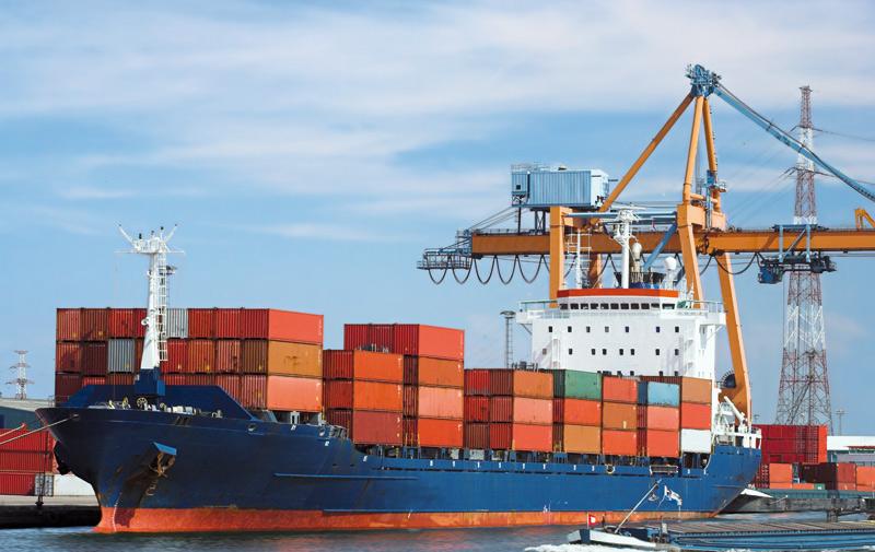 L'écart se réduit entre les importations et les exportations: 35 milliards DH gagnés en 2015