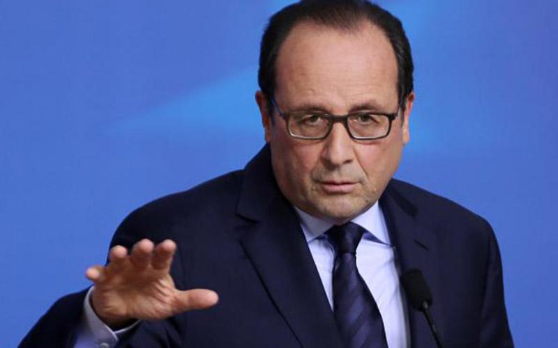 Attentats de Paris: Hollande veut une révision de la Constitution