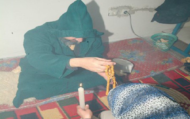 Tétouan : Un exorciste tue  une cliente, mère de 8 enfants