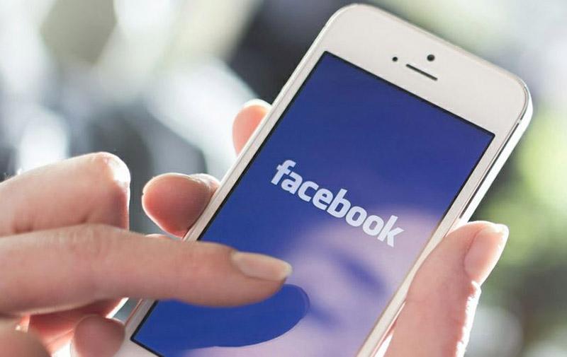 Facebook accusé  de vider la batterie des iPhone