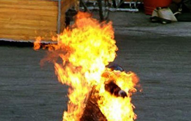 Il brûle sa femme pour se débarrasser d'elle