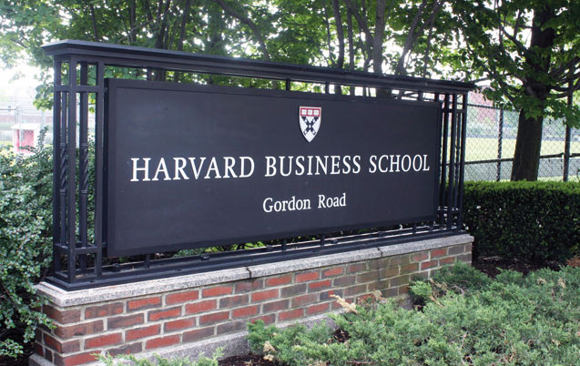 Le groupe AKSAL accueille les étudiants d'Harvard
