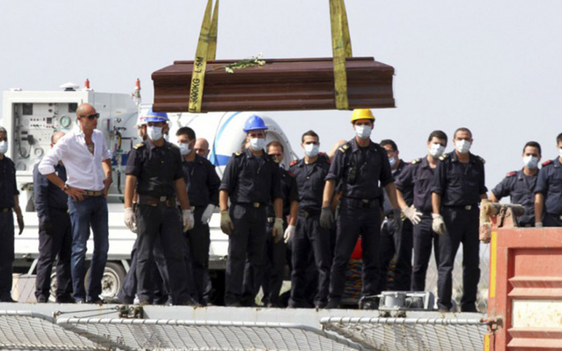 Italie: 45 clandestins asphyxiés dans une embarcation