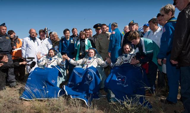Espace: le vaisseau Soyouz atterrit au Kazakhstan
