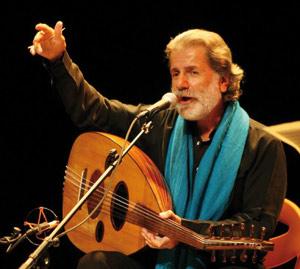 Asilah : Marcel Khalifa chante en hommage à Mahmoud Darwich