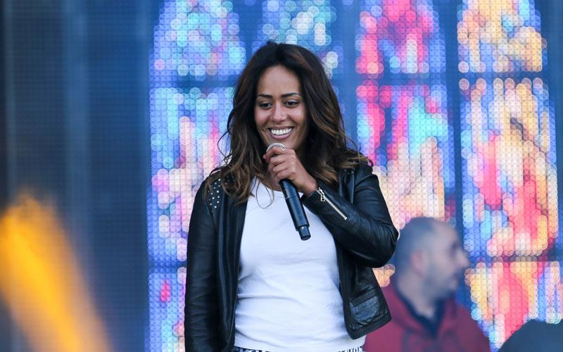 Amel Bent : «Je suis fière de mes origines, d'être comme je suis»