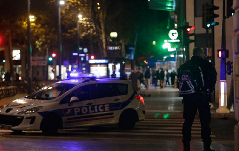 Attentats de Paris : 128 perquisitions dans la nuit de lundi à mardi