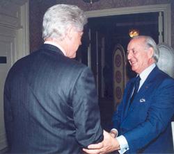 Télex : Othman Benjelloun rencontre Bill Clinton