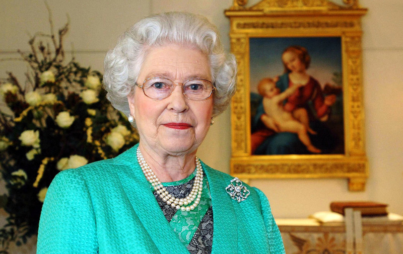 Royaume-Uni : La reine Elizabeth II battra le record de longévité sur le trône