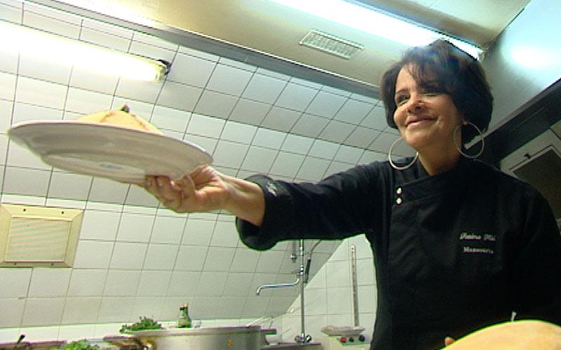 Fatéma Hal: «La cuisine marocaine connaît un franc succès en France»