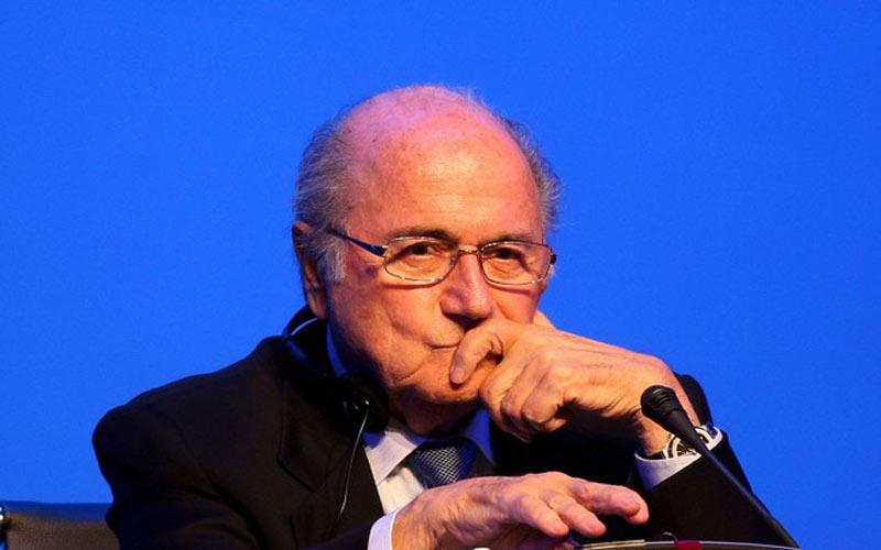 Blatter ne veut plus du système de buts à l'extérieur