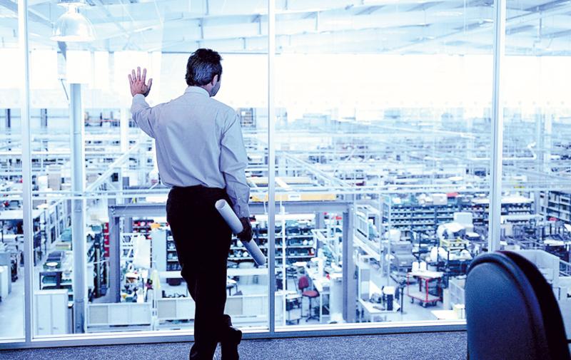 Industrie: La morosité plombe l'activité à fin 2015