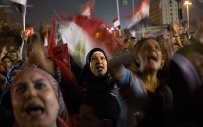 Egypte : prison à vie pour 230 militants anti-Moubarak