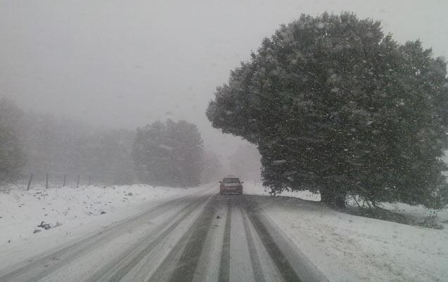 Chutes de neiges : 19 routes toujours coupées, 23 ont été rouvertes ce matin