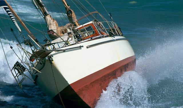Un bateau de pêche échoue à Tanger: Un mort et 9 autres sauvés