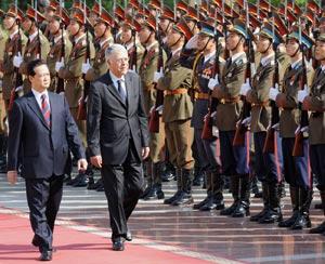 Les relations bilatérales au centre des entretiens du Premier ministre avec son homologue vietnamien
