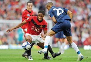 Manchester United pousse Arsenal à la faute