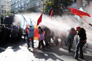 Manifestations anti-FMI à Istanbul