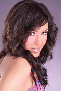 Asmae Lamnaouar, chanteuse : «Chanter en dialecte marocain est un énorme plaisir pour moi»